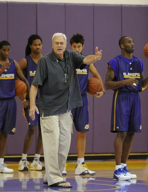Phil Jackson instructs the team during 2009 training camp